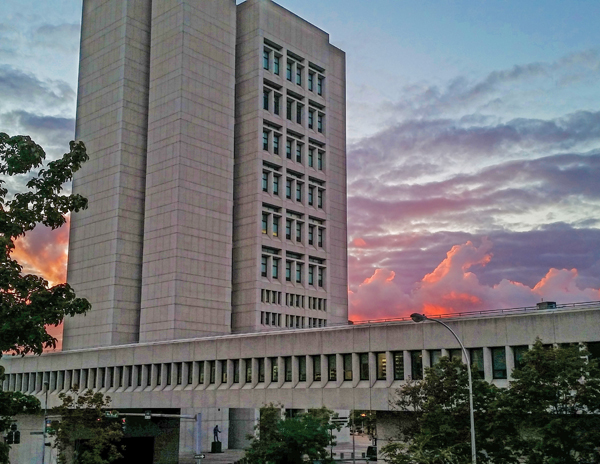 Courthouse_at_sunset-600x464